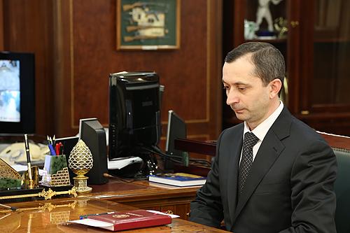 Указом Президента Российской Федерации от 6 мая 2018 года № 199 за заслуги в укреплении законности, защите прав и интересов граждан, многолетнюю добросовестную работу